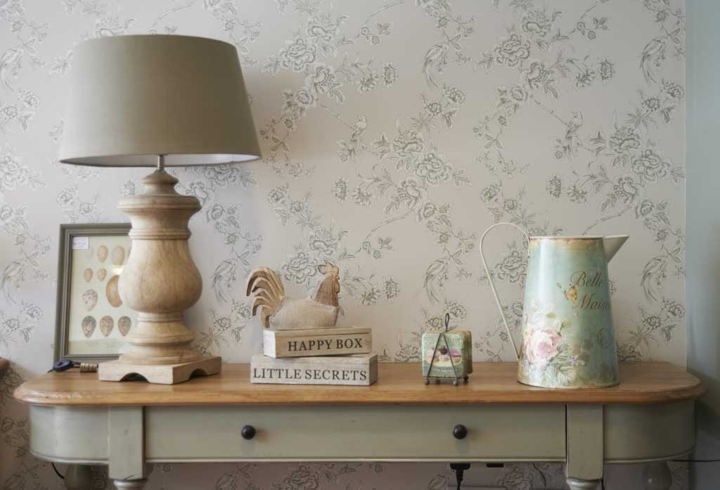 Hydes furniture & lamp