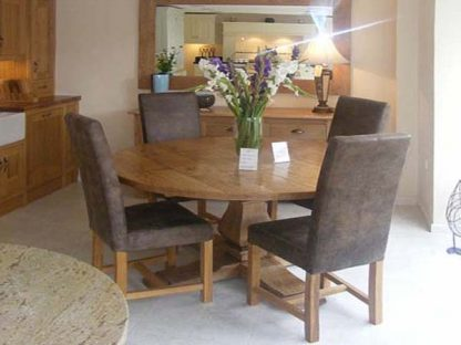 Balaster dining table