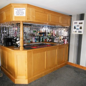 fitted-bar-009